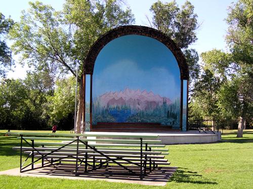 Gibson_park_bandshell