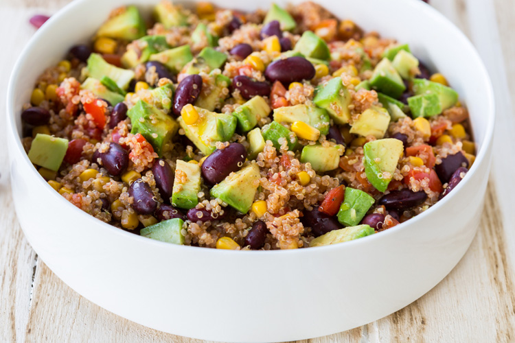 6-ingredient-mexican-style-quinoa-salad3