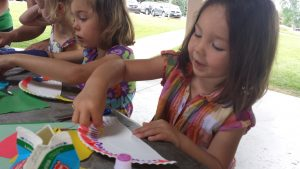 lions-girls-doing-crafts
